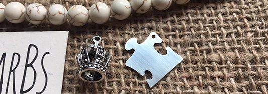 """""""Bracelets for Puzzle"""", i nuovi tasselli solidali di LA BarBs"""